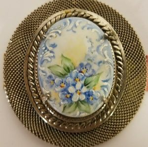 Jewelry - Vintage Hand Painted Pendant